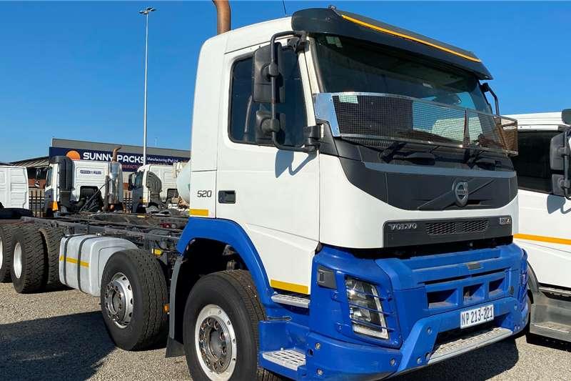 Volvo FMX 520 Twinsteer In Mint Condition Truck tractors