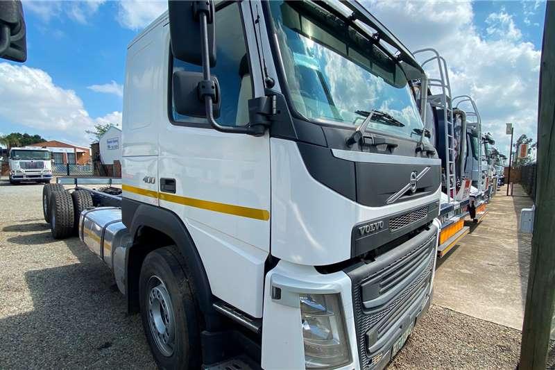 Volvo Single axle FM 400 Chassis Cab Truck tractors