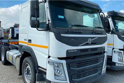Volvo Single axle FM 400 TagAxle Truck tractors