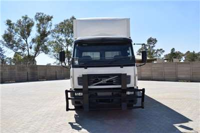 Volvo Volume body FL6H 220 4X2 Truck