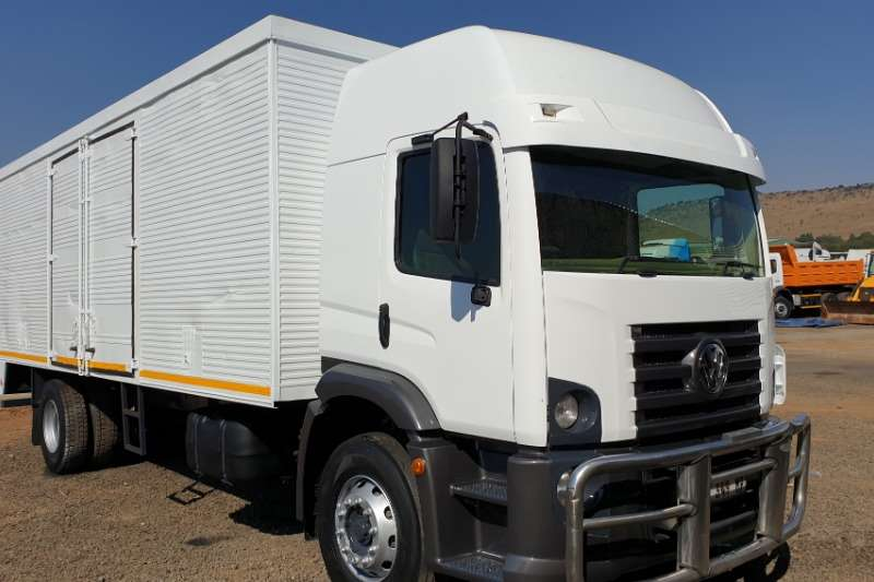 VW Box trucks Constellation 17.250 2012