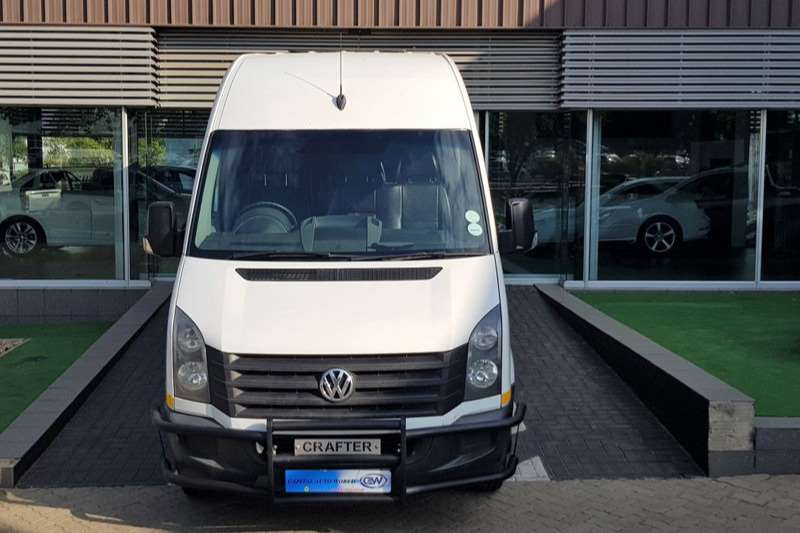 VW Buses 22 seater CRAFTER 50 2.0 TDI HR 80KW F/C P/V 2016