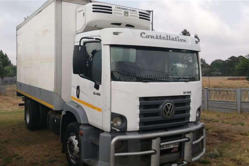 VW VW 15 180 Constellation Fridge truck w/ hooks Refrigerated trucks