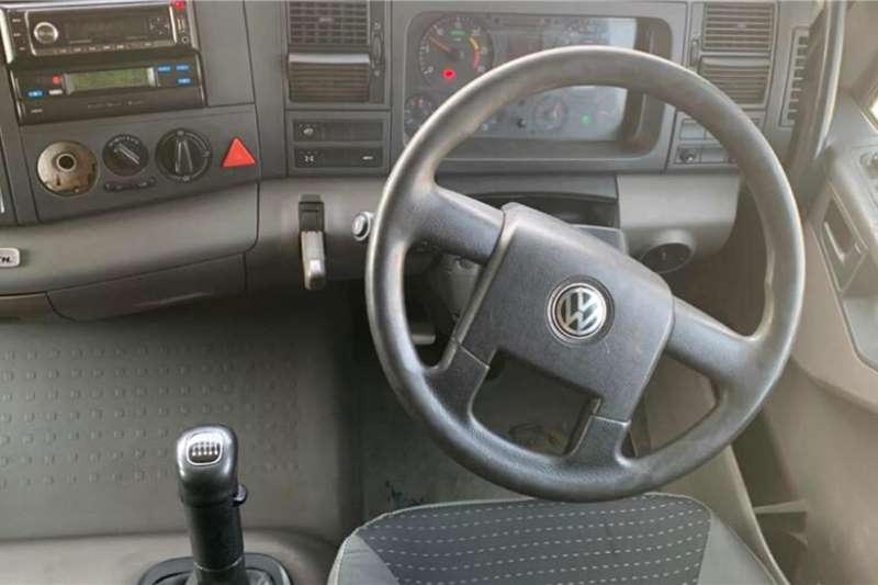 VW 2013 Volkswagen Titan 19 320 Truck tractors