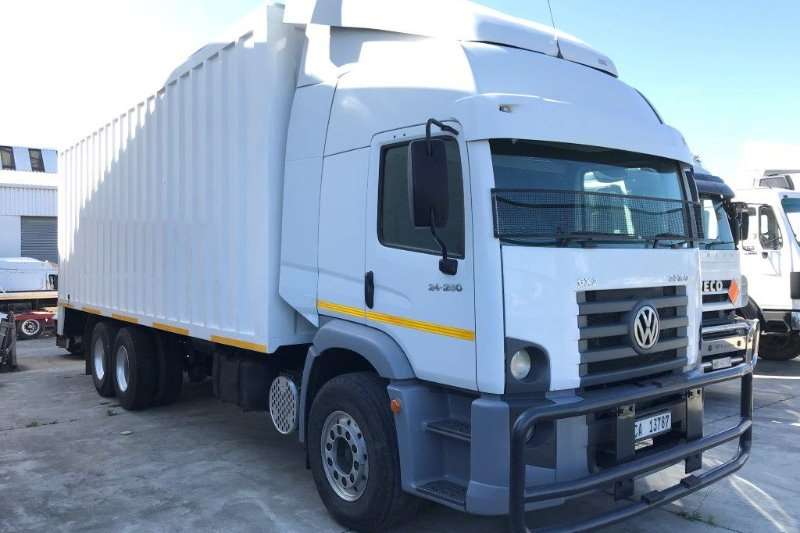 VW Truck Volume body 24 250 2010