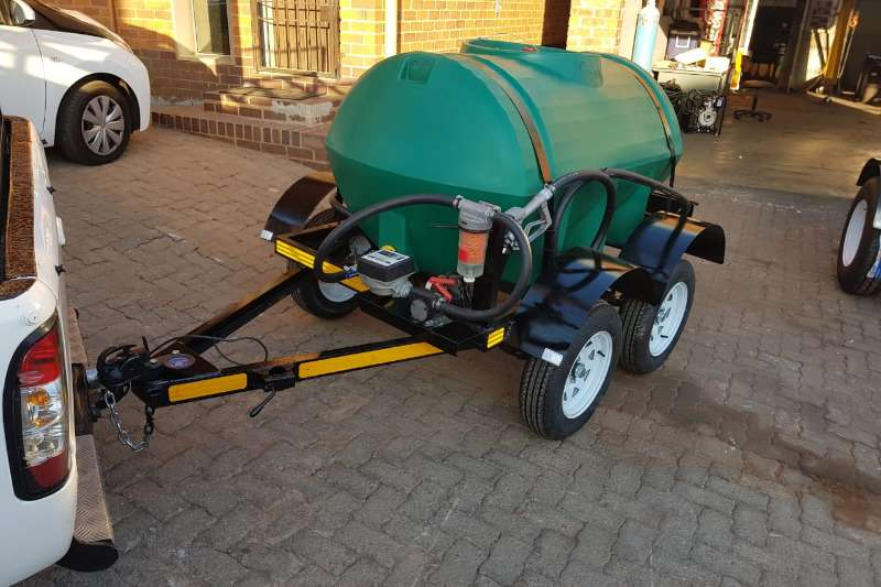 Water bowser 1000 liters plastic trailer 2019