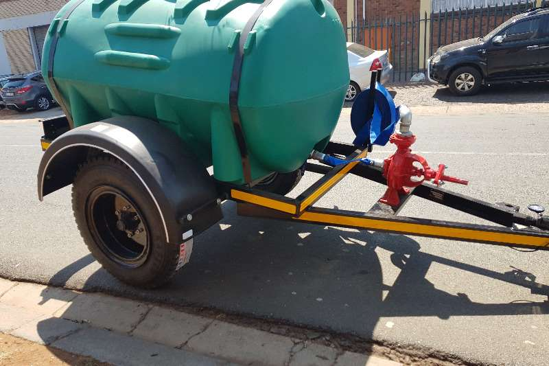 Water bowser 2500 liter plastic trailers 2019