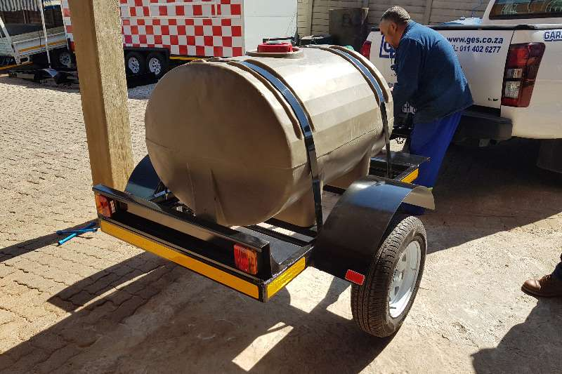 Water bowser 500 liter plastic trailers 2019