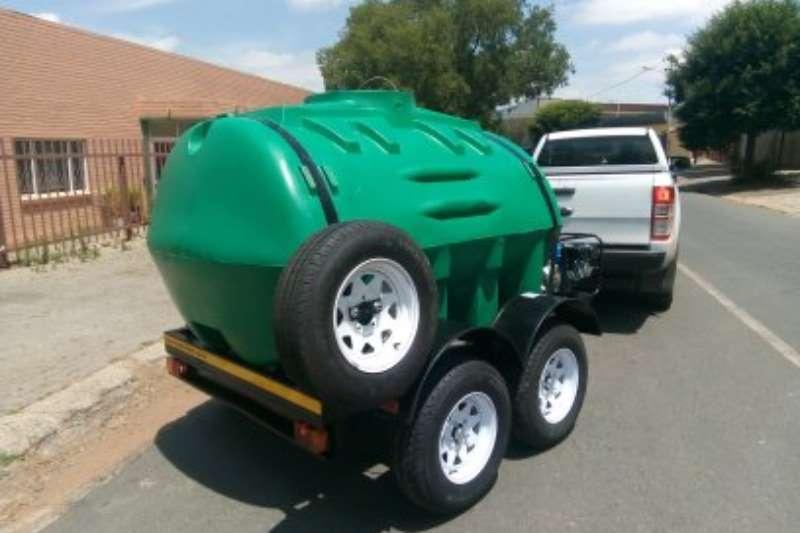 Water bowser trailer 2500 Liter Plastic trailer 2019