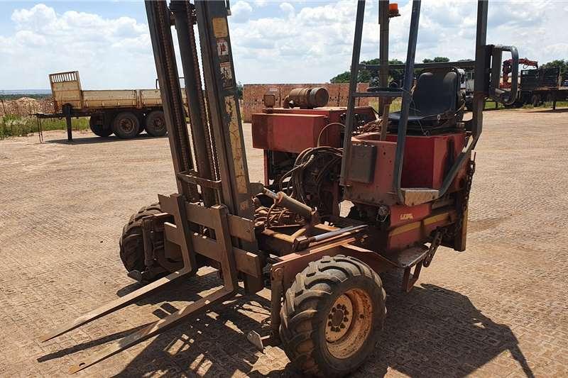 Water bowser trucks Moffatt M24003N 2001